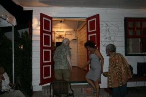André de Rooy, Marisa Pieplenbosch and Erwin de VRies step inside Sukru Oso during opening night  | PHOTO Marieke Visser, 2012
