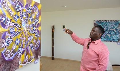 The artis and his work | PHOTO dWT/Jason Leysner, 2013