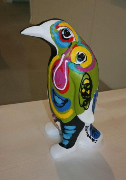 Menno Baars, Penguin parade: 'Ryan', polyester sculpture, handmade and painted by Menno Baars, 44 cm high and weigth app. 3 kilo  identification chip and unique penguin passport included | PHOTO Marieke Visser, 2013