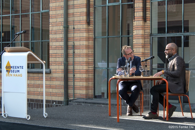 During the opening of 'Crossing the Water' Remy Jungerman had an art conversation with Mondriaan-expert Hans Janssen, Haags Gemeentemuseum, April 11, 2015 / PHOTO Femke Dix, 2015