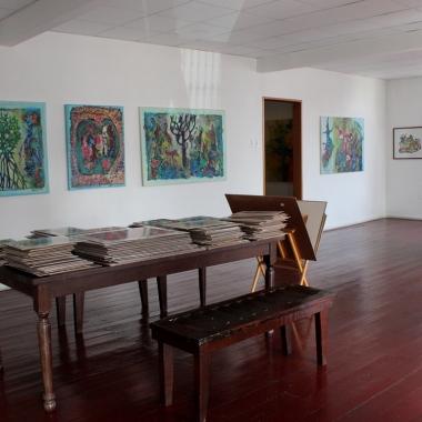 Werk van René Tosari en Dhiradj Ramsamoedj in Readytex Art Gallery / FOTO Courtesy Readytex Art Gallery