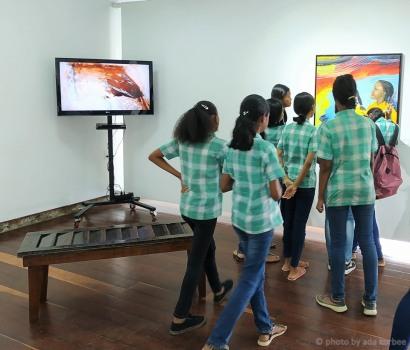 'Friends 05', acryl op doek, 80x80cm, 2019 - USD 900 / FOTO Courtesy Readytex Art Gallery